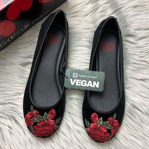 TUK Black Velvet Rose Embroidered Flats